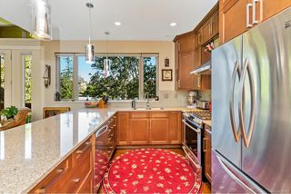 Photo 7: 4 2151 W Burnside Rd in : VR Hospital Row/Townhouse for sale (View Royal)  : MLS®# 853910