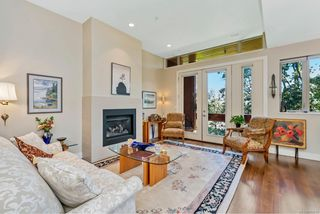 Photo 10: 4 2151 W Burnside Rd in : VR Hospital Row/Townhouse for sale (View Royal)  : MLS®# 853910