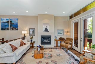 Photo 11: 4 2151 W Burnside Rd in : VR Hospital Row/Townhouse for sale (View Royal)  : MLS®# 853910