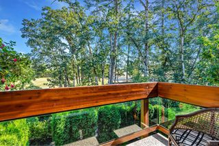 Photo 12: 4 2151 W Burnside Rd in : VR Hospital Row/Townhouse for sale (View Royal)  : MLS®# 853910