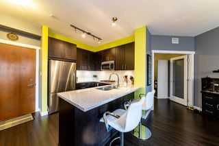 """Photo 5: 226 119 W 22ND Street in North Vancouver: Central Lonsdale Condo for sale in """"Anderson Walk"""" : MLS®# R2405099"""