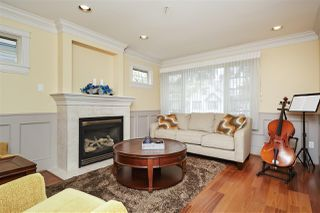 Photo 2: 953 W 15TH Avenue in Vancouver: Fairview VW 1/2 Duplex for sale (Vancouver West)  : MLS®# R2410098