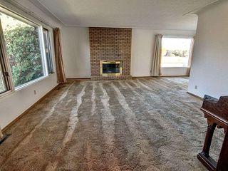 Photo 2: 10907 56 Street in Edmonton: Zone 19 House for sale : MLS®# E4177096
