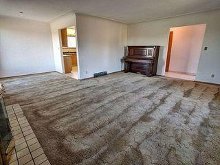 Photo 3: 10907 56 Street in Edmonton: Zone 19 House for sale : MLS®# E4177096