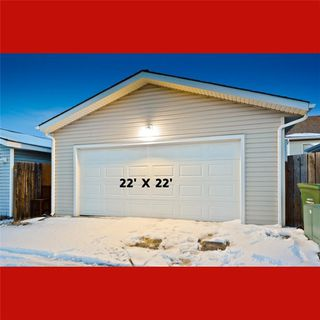 Photo 3: 10 BRIDLEGLEN RD SW in Calgary: Bridlewood House for sale : MLS®# C4291535