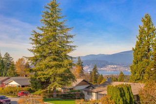 Photo 3: 2326 HURON Drive in Coquitlam: Harbour Chines House for sale : MLS®# R2460965