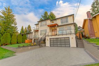 Photo 2: 2326 HURON Drive in Coquitlam: Harbour Chines House for sale : MLS®# R2460965