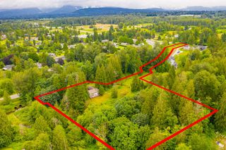 Photo 1: 23022 NO 10 Highway in Langley: Salmon River House for sale : MLS®# R2471274