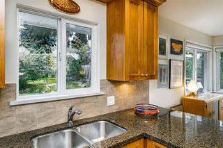 Photo 15: 933 KINSAC Street in Coquitlam: Coquitlam West House for sale : MLS®# R2518051