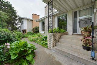 Photo 2: 11003 40 Avenue in Edmonton: Zone 16 House for sale : MLS®# E4166524