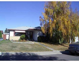 Photo 2: 3116 112 Avenue in Edmonton: Zone 23 House for sale : MLS®# E4181803