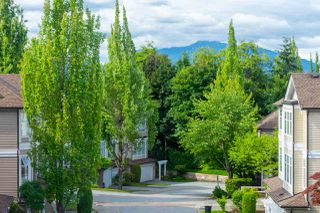 """Photo 3: 24 5950 OAKDALE Road in Burnaby: Oaklands Townhouse for sale in """"HEATHER CREST"""" (Burnaby South)  : MLS®# R2474867"""