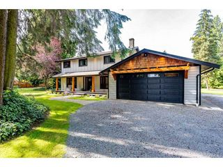 Photo 2: 25183 ROBERTSON Crescent in Langley: Salmon River House for sale : MLS®# R2477122