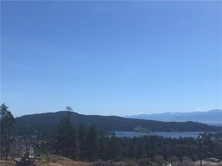 Photo 4: 2168 Mountain Heights Dr in Sooke: Sk Broomhill Half Duplex for sale : MLS®# 844779
