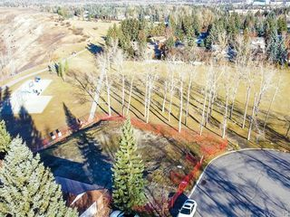 Photo 3: 12 Varanger Place NW in Calgary: Varsity Land for sale : MLS®# A1047240