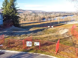 Photo 4: 12 Varanger Place NW in Calgary: Varsity Land for sale : MLS®# A1047240