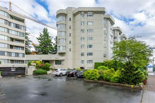 "Photo 1: 412 1442 FOSTER Street: White Rock Condo for sale in ""White Rock Square 111"" (South Surrey White Rock)  : MLS®# R2421026"