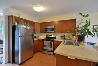 """Photo 3: 105 624 SHAW Road in Gibsons: Gibsons & Area Condo for sale in """"THE ROSEWOOD"""" (Sunshine Coast)  : MLS®# R2462254"""