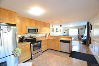 Photo 4: 30 2827 Sooke Lake Rd in : La Goldstream Manufactured Home for sale (Langford)  : MLS®# 845413