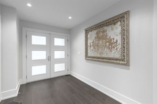 """Photo 2: 1150 MAPLE Street: White Rock House for sale in """"White Rock Uptown South Slope"""" (South Surrey White Rock)  : MLS®# R2527410"""