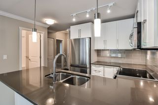 "Photo 7: 207 14358 60 Avenue in Surrey: Sullivan Station Condo for sale in ""Latitude"" : MLS®# R2388464"