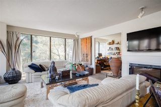 """Photo 3: 49 1425 LAMEY'S MILL Road in Vancouver: False Creek Condo for sale in """"HARBOUR TERRACE"""" (Vancouver West)  : MLS®# R2400895"""
