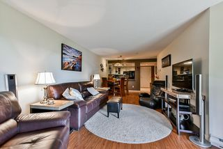 """Photo 8: 302 70 RICHMOND Street in New Westminster: Fraserview NW Condo for sale in """"Governor's Court"""" : MLS®# R2418053"""