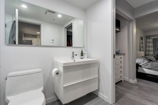 "Photo 13: 215 332 LONSDALE Avenue in North Vancouver: Lower Lonsdale Condo for sale in ""CALYPSO"" : MLS®# R2426646"