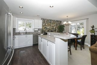 """Photo 3: 13 2780 150 Street in Surrey: Sunnyside Park Surrey Townhouse for sale in """"The Daventry"""" (South Surrey White Rock)  : MLS®# R2443449"""
