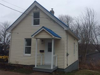 Photo 1: 377 MacDonald Street in New Glasgow: 106-New Glasgow, Stellarton Residential for sale (Northern Region)  : MLS®# 202007104