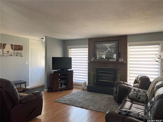 Photo 3: 112 Centennial Crescent in Unity: Residential for sale : MLS®# SK809074