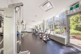 "Photo 16: 615 38 W 1ST Avenue in Vancouver: False Creek Condo for sale in ""The One"" (Vancouver West)  : MLS®# R2527576"