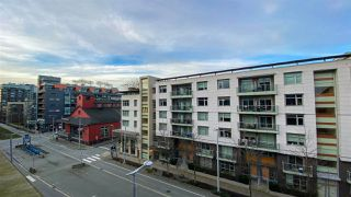 "Photo 14: 615 38 W 1ST Avenue in Vancouver: False Creek Condo for sale in ""The One"" (Vancouver West)  : MLS®# R2527576"