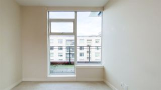 """Photo 9: 615 38 W 1ST Avenue in Vancouver: False Creek Condo for sale in """"The One"""" (Vancouver West)  : MLS®# R2527576"""