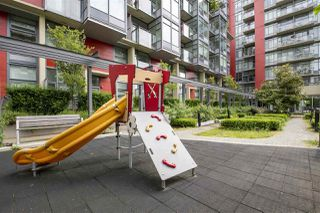 "Photo 20: 615 38 W 1ST Avenue in Vancouver: False Creek Condo for sale in ""The One"" (Vancouver West)  : MLS®# R2527576"