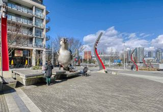 "Photo 19: 615 38 W 1ST Avenue in Vancouver: False Creek Condo for sale in ""The One"" (Vancouver West)  : MLS®# R2527576"