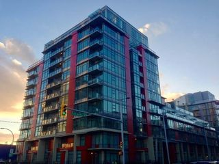 "Photo 2: 615 38 W 1ST Avenue in Vancouver: False Creek Condo for sale in ""The One"" (Vancouver West)  : MLS®# R2527576"