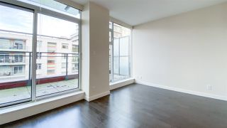 "Photo 3: 615 38 W 1ST Avenue in Vancouver: False Creek Condo for sale in ""The One"" (Vancouver West)  : MLS®# R2527576"