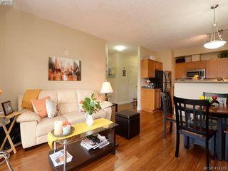 Photo 3: 206 820 Short St in VICTORIA: SE Quadra Condo Apartment for sale (Saanich East)  : MLS®# 821875