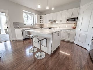 Photo 10: 730 BUTTERWORTH Drive in Edmonton: Zone 14 House for sale : MLS®# E4182576