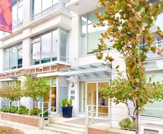 "Photo 1: 1902 821 CAMBIE Street in Vancouver: Downtown VW Condo for sale in ""RAFFLES"" (Vancouver West)  : MLS®# R2432183"