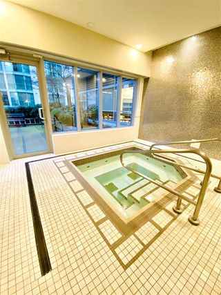 "Photo 13: 1902 821 CAMBIE Street in Vancouver: Downtown VW Condo for sale in ""RAFFLES"" (Vancouver West)  : MLS®# R2432183"