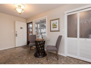 "Photo 2: 86 27272 32 Avenue in Langley: Aldergrove Langley Townhouse for sale in ""TWIN FIRS"" : MLS®# R2438922"
