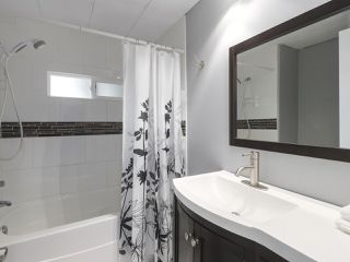 """Photo 14: 11 1840 160TH Street: White Rock Manufactured Home for sale in """"BREAKAWAY BAYS"""" (South Surrey White Rock)  : MLS®# R2441669"""
