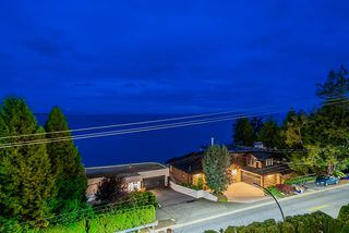 Photo 17: 14283 MARINE Drive: White Rock House for sale (South Surrey White Rock)  : MLS®# R2502280
