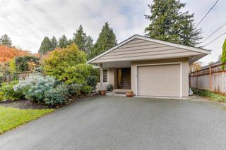 """Photo 2: 987 WALALEE Drive in Delta: English Bluff House for sale in """"THE VILLAGE"""" (Tsawwassen)  : MLS®# R2516827"""
