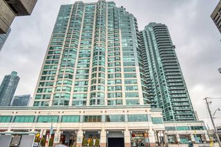 Main Photo: 813 10 W Queens Quay in Toronto: Waterfront Communities C1 Condo for sale (Toronto C01)  : MLS®# C5083627