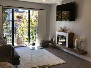 Photo 4: 403 2120 W 2ND Avenue in Vancouver: Kitsilano Condo for sale (Vancouver West)  : MLS®# R2202071