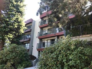 Photo 2: 403 2120 W 2ND Avenue in Vancouver: Kitsilano Condo for sale (Vancouver West)  : MLS®# R2202071