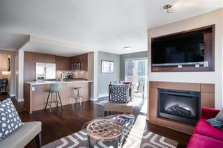 """Photo 11: 311 2940 KING GEORGE Boulevard in Surrey: King George Corridor Condo for sale in """"High Street"""" (South Surrey White Rock)  : MLS®# R2436716"""